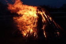 easter-fire-1283948_1920